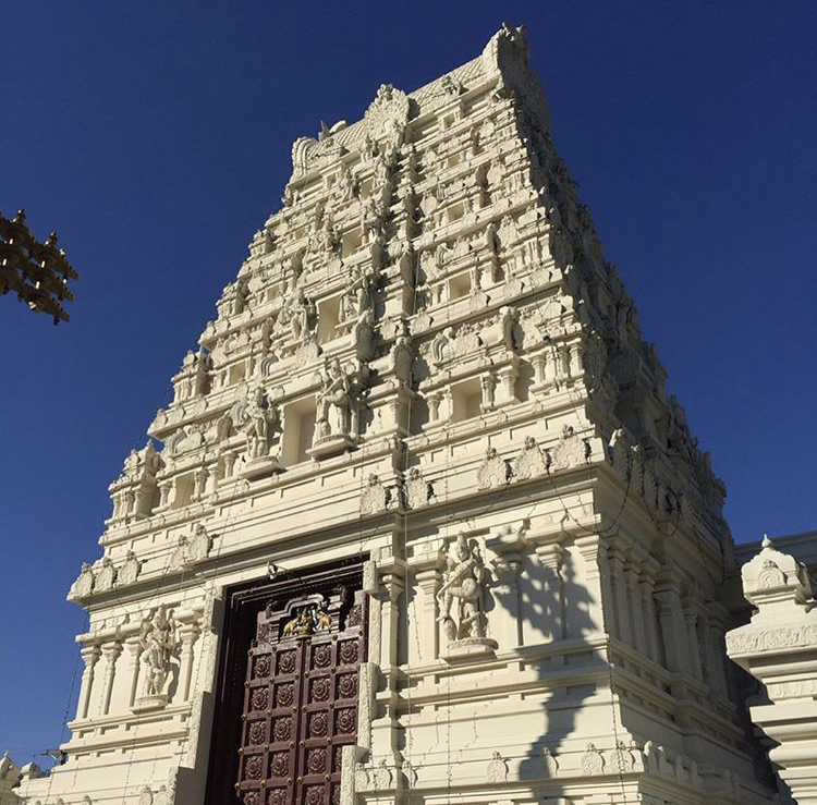 The+classes+visited+the+Hindu+Temple+of+Saint+Louis+on+Oct.+4