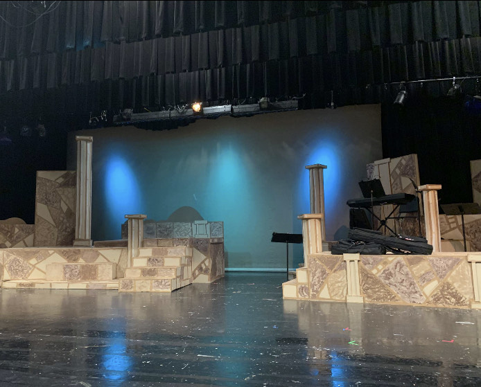 The view of the stage and basic set of the show.