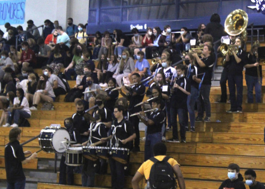SCHS Marching Band performs at the Homecoming assembly